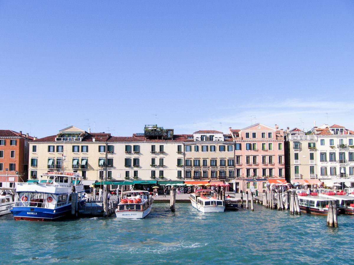 Gardasee und Venedig: Unser erster Trip mit Willi